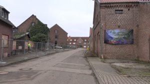 Lützerath vor der Zerstörung aller Häuser auf der linken Straßenseite des Dorfes 11.1.2021